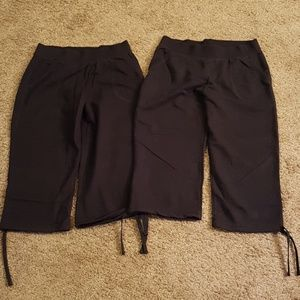 Lot of 2 Hanes sweatpants Capris Size small